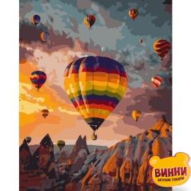 Купити картину за номерами STRATEG Кольорові повітряні кулі серед гір 40*50 см, VA-1833