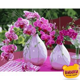 Купити картину за номерами STRATEG Яскраві орхідеї на столі, 40*50 см, VA-2501